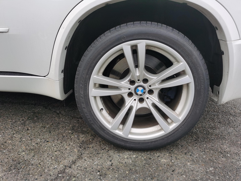 2013-BMW-X5 M