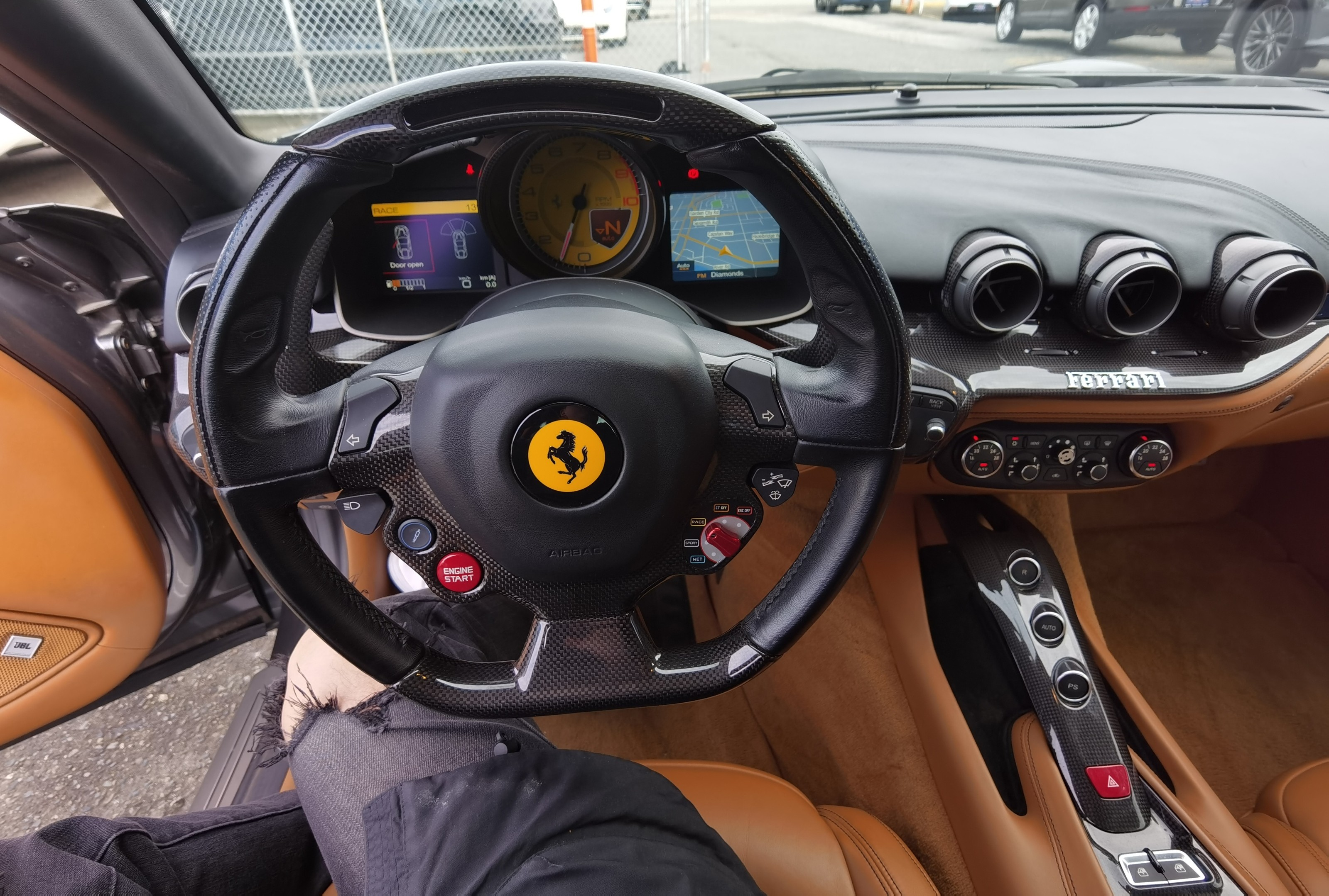 2013-Ferrari-F12 Berlinetta