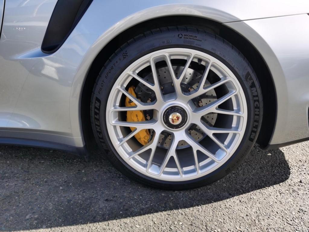 2016-Porsche-911