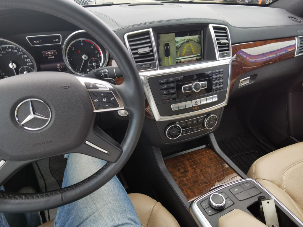 2016-Mercedes-Benz-GL-Class
