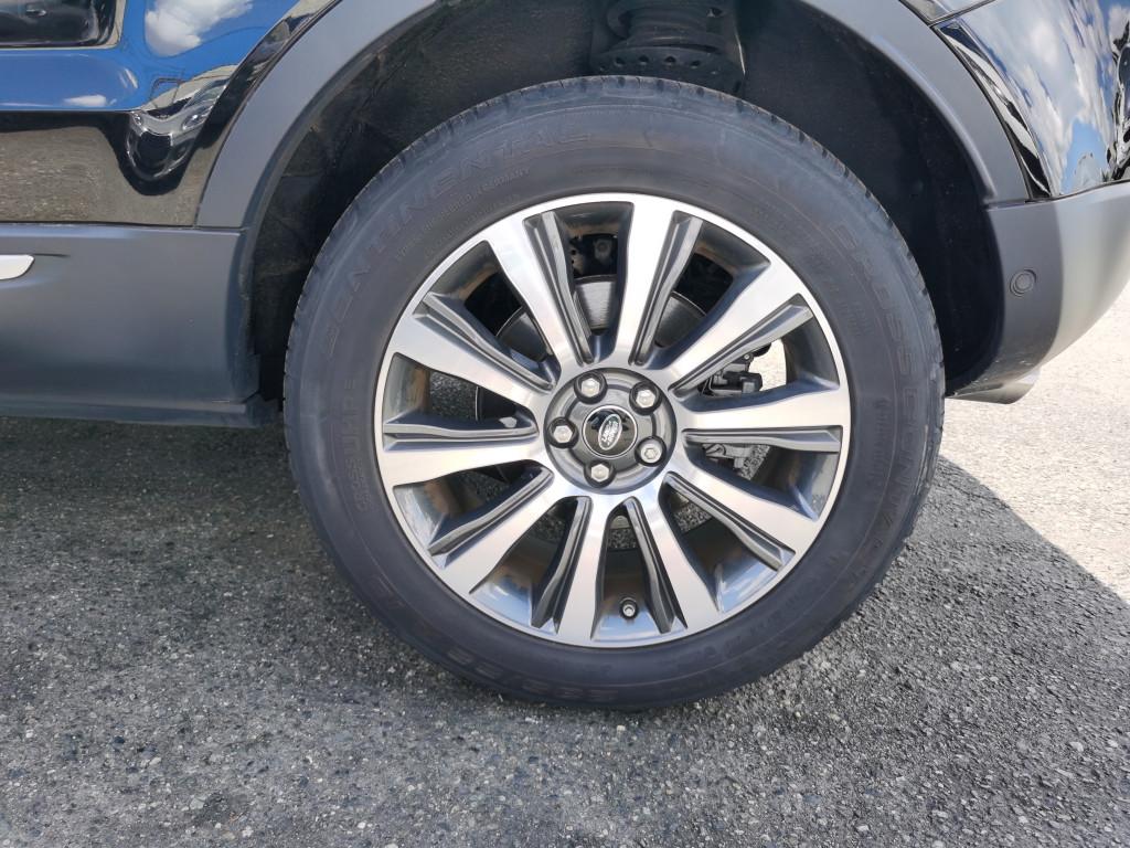 2019-Land Rover-Range Rover Evoque