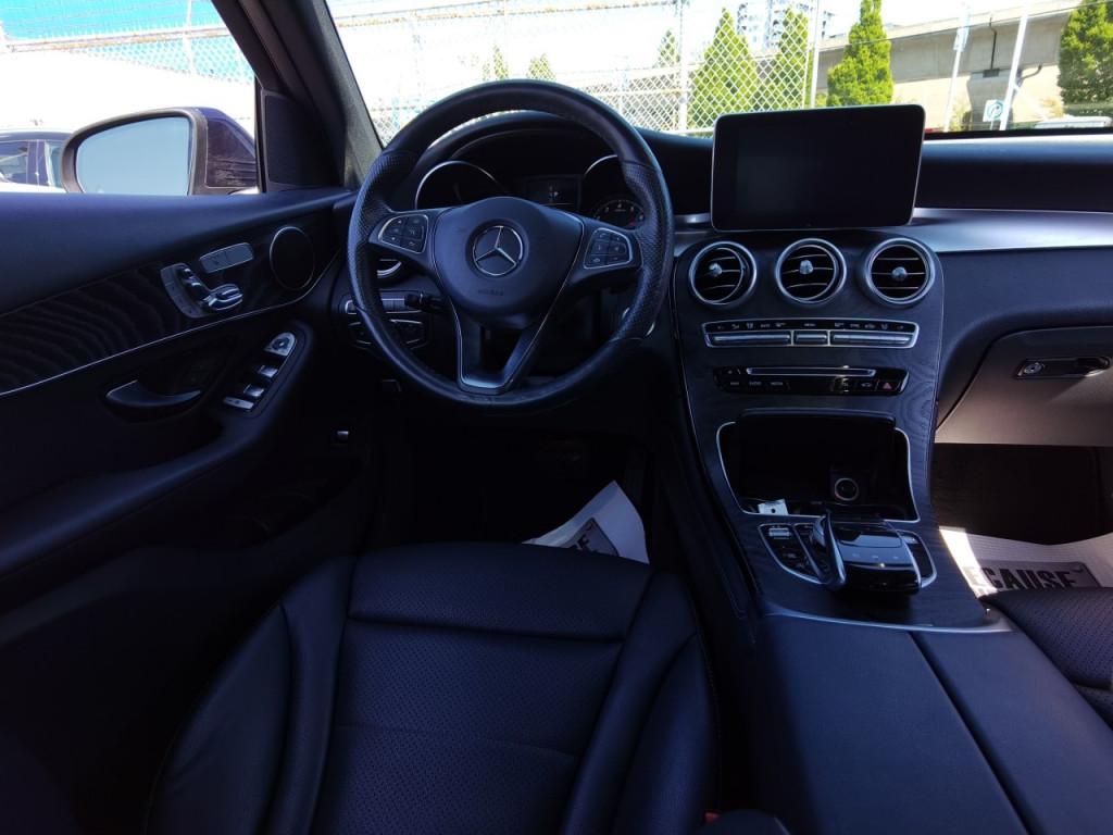 2018-Mercedes-Benz-GLC